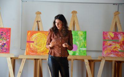 Obiskala nas je umetnica Andreja Kranjec, bivša dijakinja naše šole